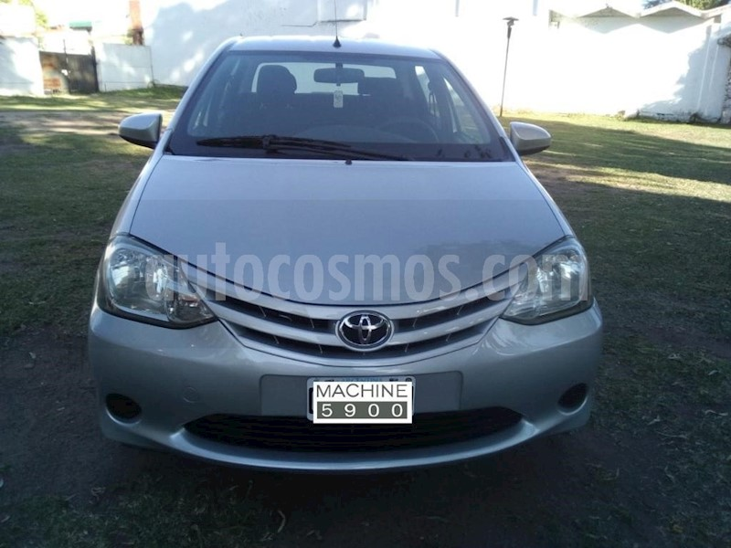 foto Toyota Etios Sedan XS usado