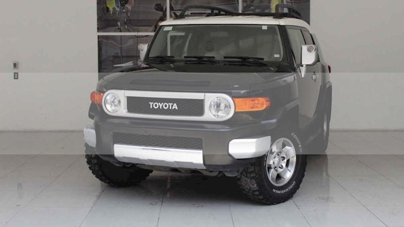 foto Toyota FJ Cruiser Premium usado