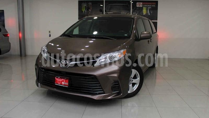 foto Toyota Sienna 5p LE usado (2020) color Marrón precio $529,000