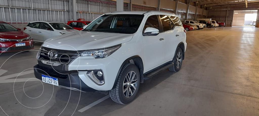 foto Toyota SW4 SRX 7 Pas usado (2017) color Blanco Perla precio $4.800.000