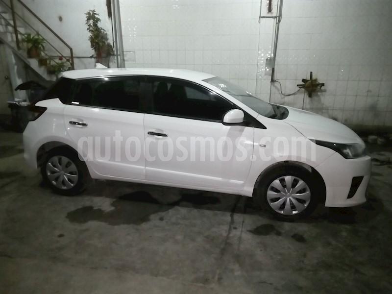 foto Toyota Yaris Hatchback 1.3L usado