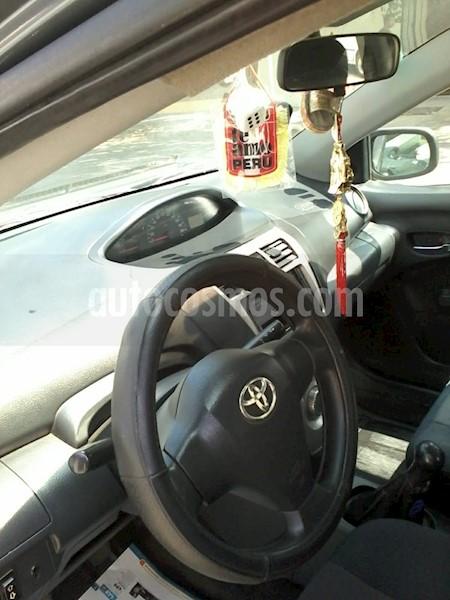 foto Toyota Yaris Sedan 1.3 GLi usado