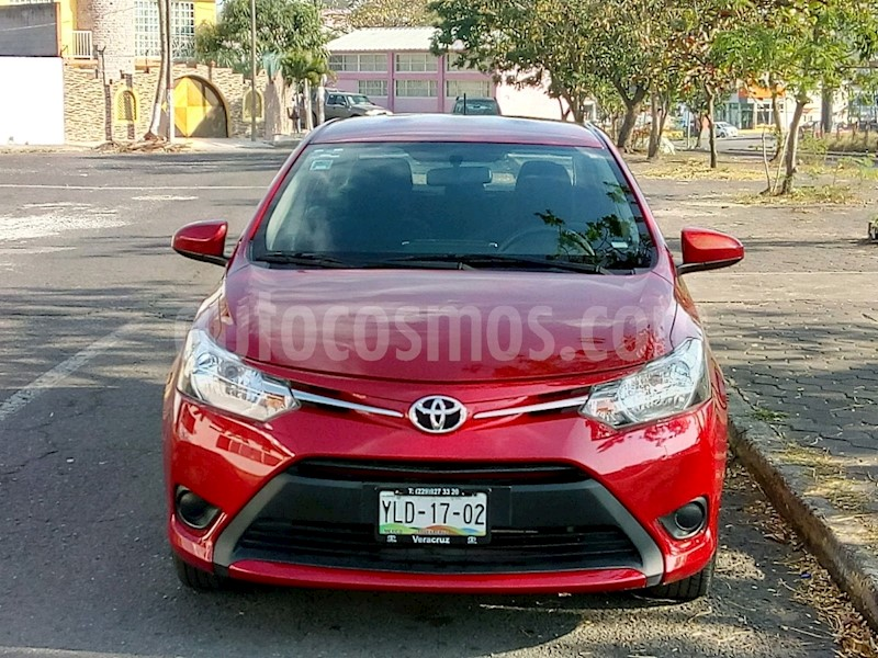 foto Toyota Yaris Sedan Core Aut usado