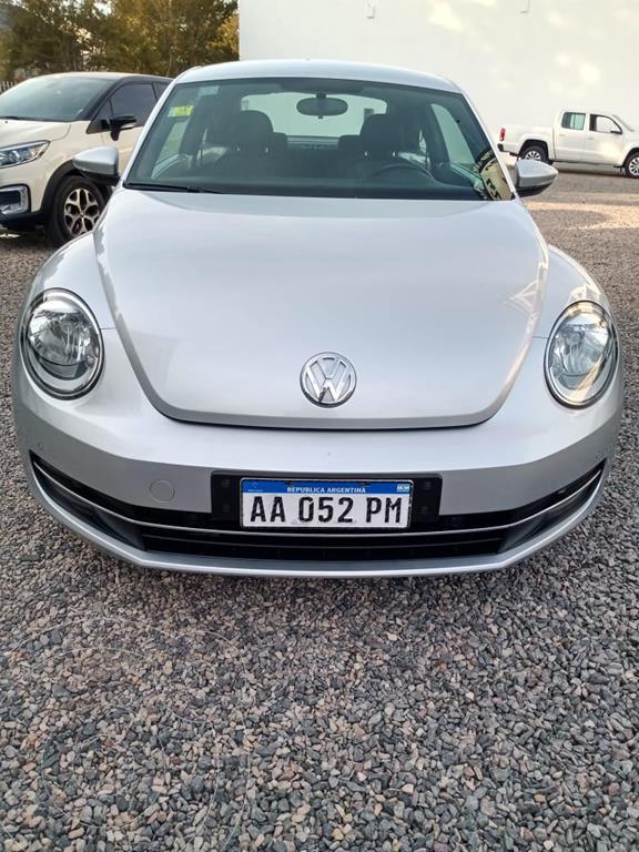 foto Volkswagen Beetle 1.4 TSI Design usado (2016) color Gris precio $2.580.000
