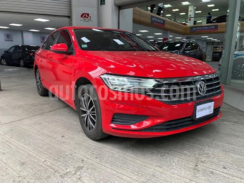 foto Volkswagen Jetta Trendline Tiptronic usado (2019) color Rojo precio $297,000