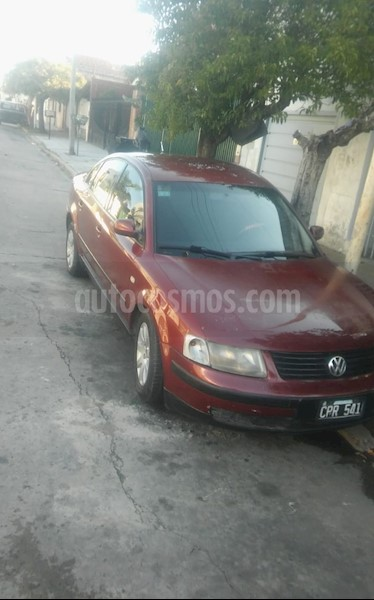foto Volkswagen Passat 1.8 usado