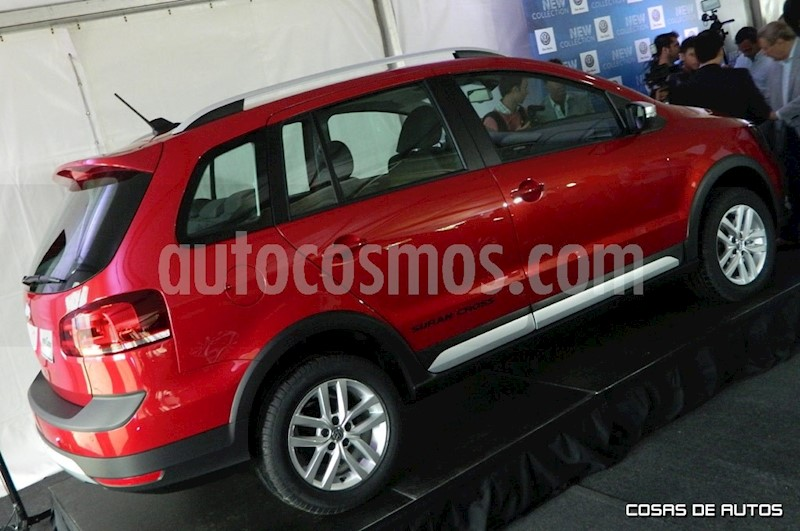 foto Volkswagen Suran Cross 1.6 Highline usado