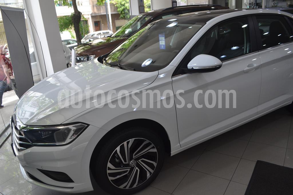 foto Volkswagen Vento 1.4 TSI Highline Aut nuevo color Gris Platinium precio $3.275.000
