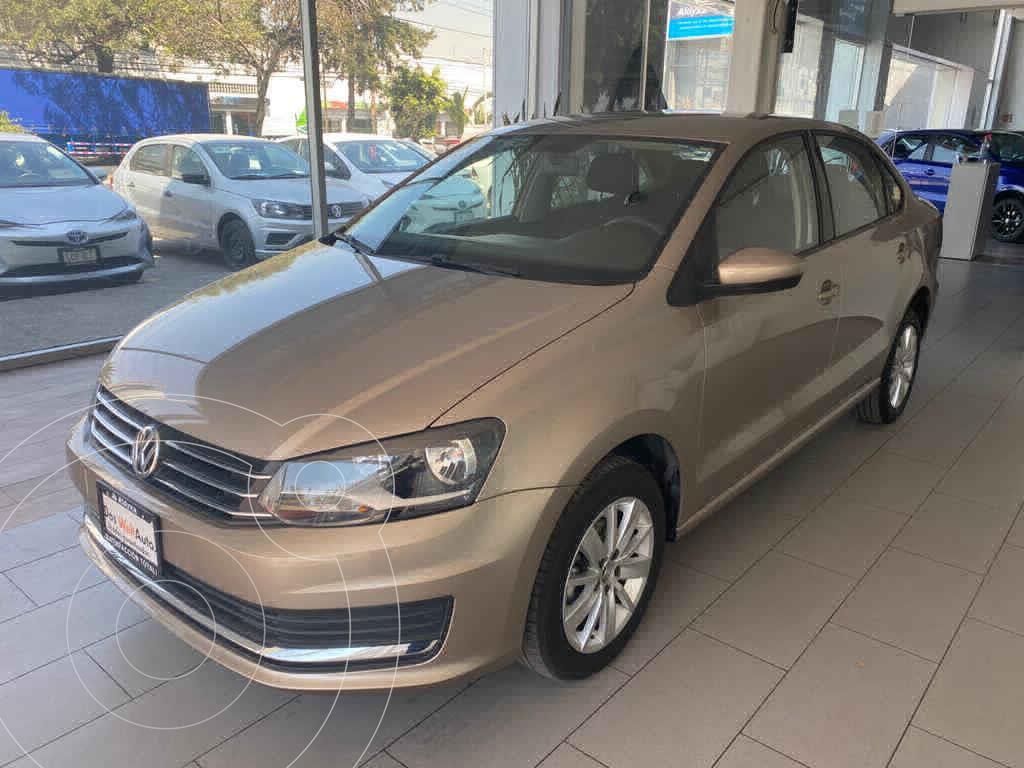 foto Volkswagen Vento Comfortline Aut usado (2020) color Beige precio $240,000
