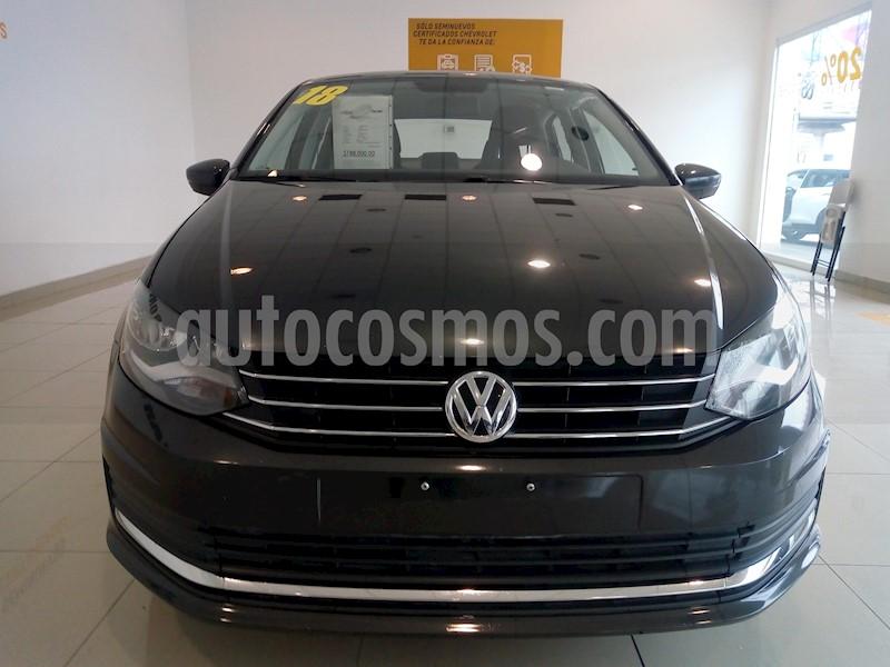 foto Volkswagen Vento Comfortline Aut usado (2018) color Gris precio $180,000