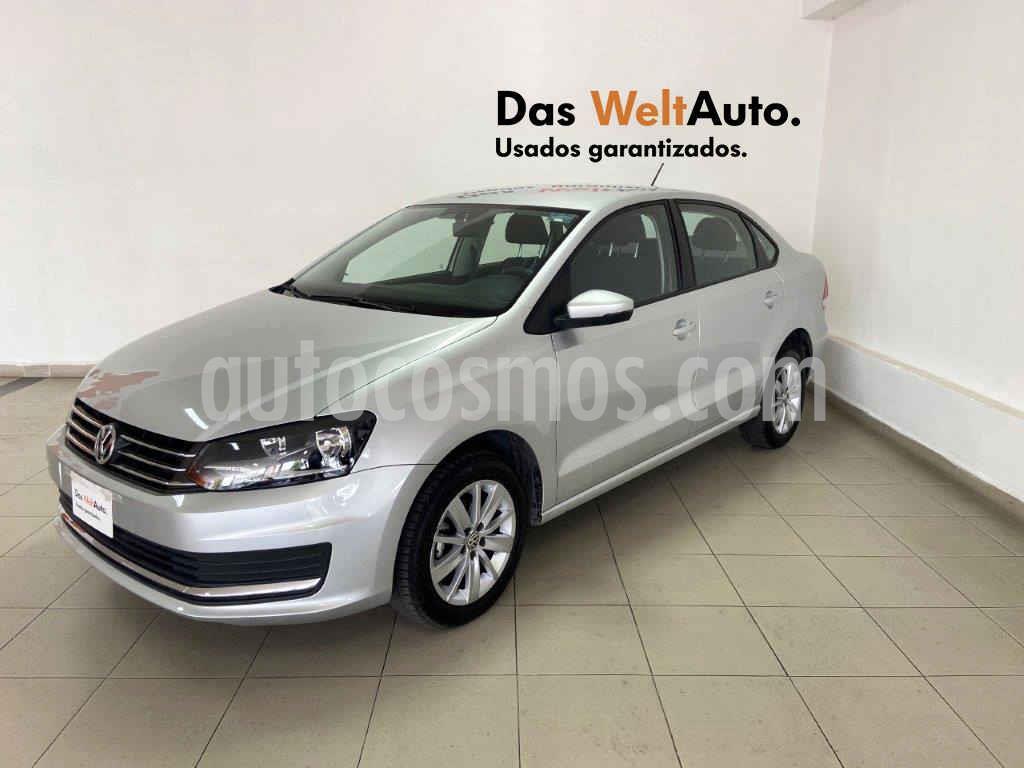 foto Volkswagen Vento Comfortline usado (2019) color Plata precio $199,754