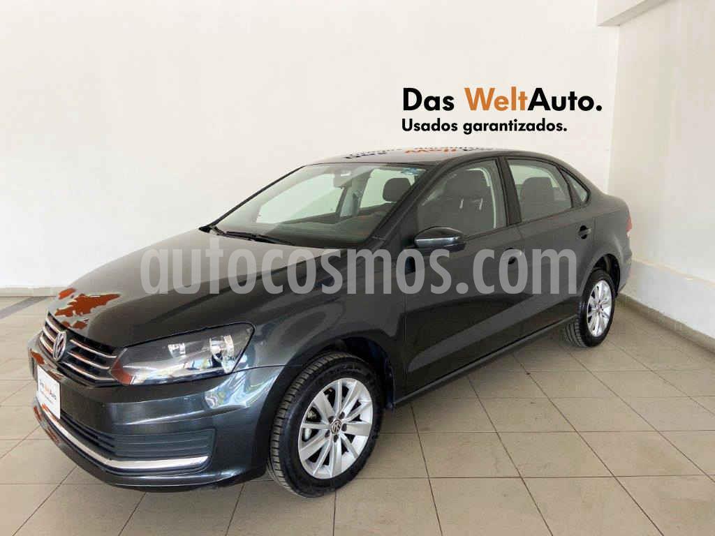 foto Volkswagen Vento Comfortline Aut usado (2019) color Gris precio $218,390