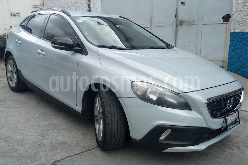 foto Volvo V40 Cross Country Inspiration AWD Aut T5 usado