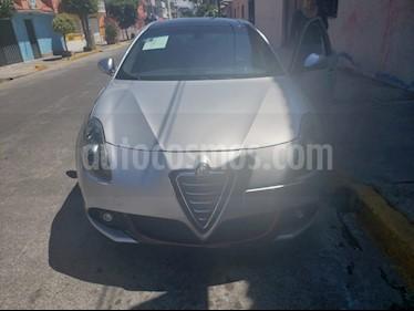 Alfa Romeo Giulietta Quadrifoglio Verde Piel usado (2012) color Gris Plata  precio $270,000