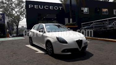 Foto venta Auto usado Alfa Romeo Giulietta Veloce TCT (2017) color Blanco precio $389,900