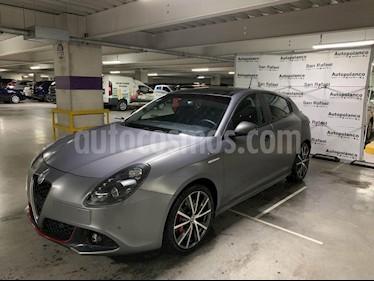 Foto venta Auto usado Alfa Romeo Giulietta Veloce TCT (2017) color Gris precio $434,900