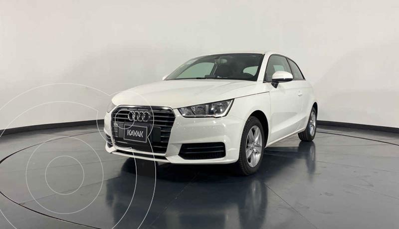 Foto Audi A1 Urban S-Tronic usado (2017) color Blanco precio $284,999