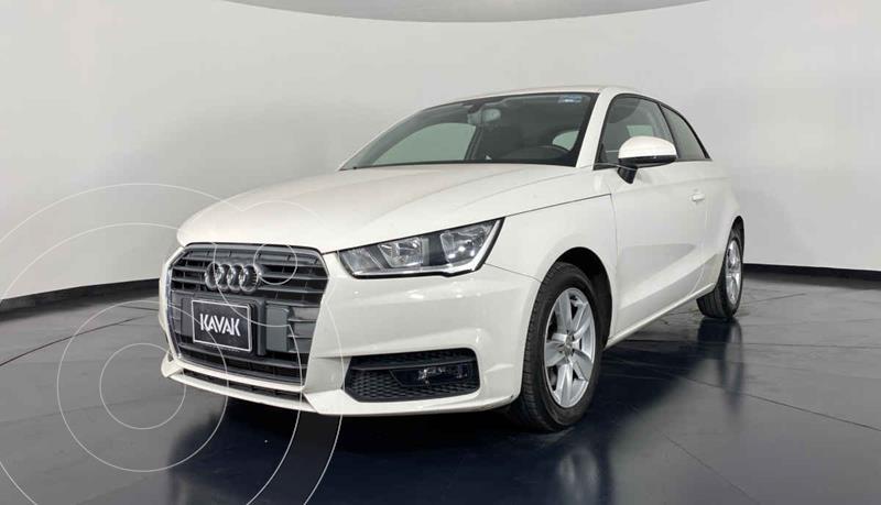 Foto Audi A1 Cool S-Tronic usado (2017) color Blanco precio $297,999