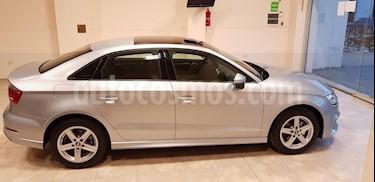 Audi A3 2.0 T FSI 3P  usado (2018) color Gris Claro precio $2.325.000