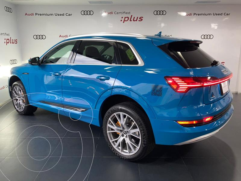 Foto Audi e-tron 55 Advanced quattro usado (2021) color Azul financiado en mensualidades(enganche $588,850 mensualidades desde $28,645)