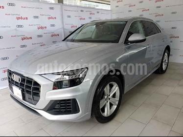 Foto Audi Q8 55 TFSI Elite usado (2019) color Plata precio $1,290,000