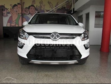 Foto BAIC Senova X25 1.5 Elite Aut nuevo color Blanco precio u$s19.800