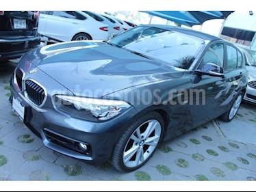 Foto venta Auto usado BMW Serie 1 5P 118i Sport Line (2018) color Titanio precio $405,000
