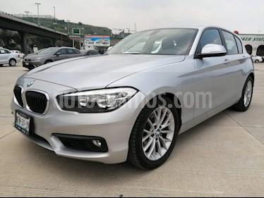 Foto BMW Serie 1 5P 120i Sport usado (2016) color Plata precio $272,000