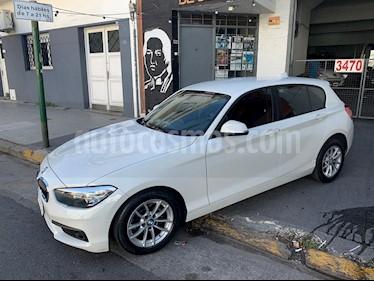 BMW Serie 1 118i Sport Line 5P Aut usado (2017) color Blanco Mineral precio u$s26.000