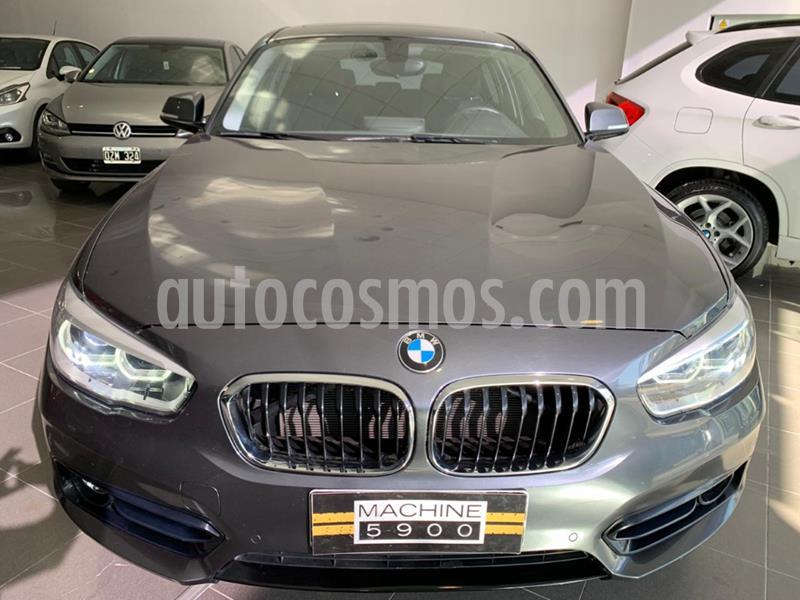 BMW Serie 1 120i Sport Line 5P usado (2018) color Gris Claro precio $3.300.000