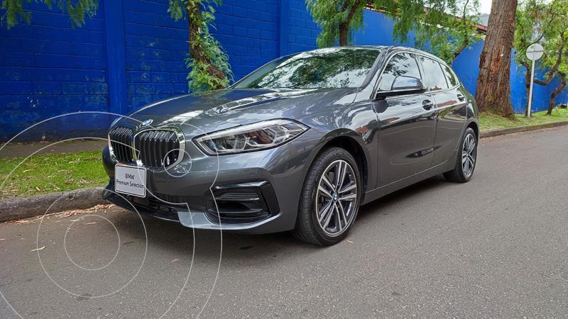Foto BMW Serie 1 118i Sport Line R17 usado (2020) color Plata precio $101.900.000