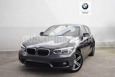 Foto BMW Serie 1 5P 120iA Sport Line usado (2017) color Gris precio $340,000