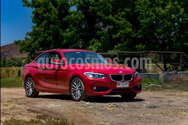 Foto BMW Serie 2 220i Aut usado (2015) color Rojo precio $13.500.000