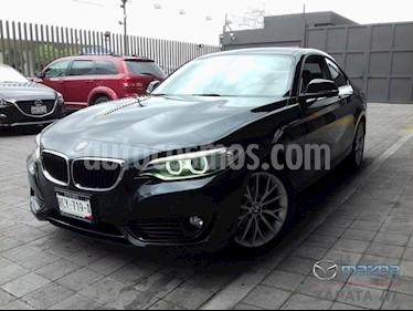 foto BMW Serie 2 220iA Aut usado (2016) color Negro Zafiro precio $295,000