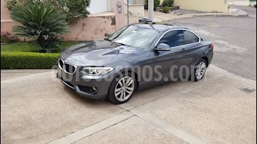 Foto BMW Serie 2 220iA Executive Aut usado (2017) color Gris Mineral precio $395,000