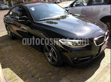 Foto venta Auto Seminuevo BMW Serie 2 220iA Sport Line Aut (2016) color Negro Zafiro precio $340,000