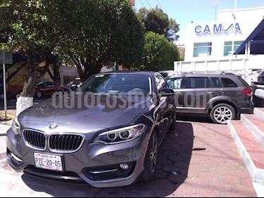 Foto venta Auto usado BMW Serie 2 220iA Sport Line Aut (2017) color Gris precio $424,900