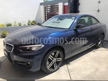 BMW Serie 2 220iA Sport Line Aut usado (2017) color Azul precio $390,000