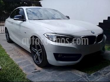 BMW Serie 2 220i Sport Line usado (2016) color Blanco precio $2.180.000