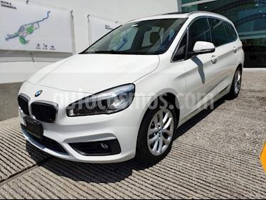 foto BMW Serie 2 Gran Tourer Luxury Line 220iA Aut usado (2017) color Blanco Mineral precio $305,000