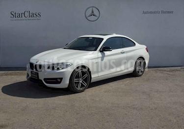 BMW Serie 2 2p 220i Coupe L4/2.0/T Aut usado (2017) color Blanco precio $379,900