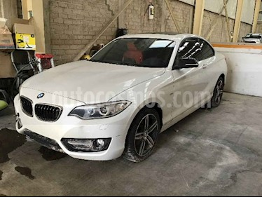 foto BMW Serie 2 2p 220i Coupe Sport Line L4/2.0/T Aut usado (2017) color Blanco precio $164,000
