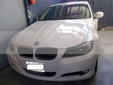 BMW Serie 3 320i Executive usado (2011) color Blanco precio $1.100.000