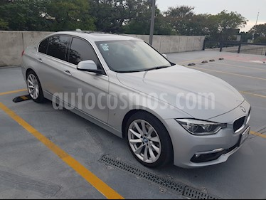 Foto BMW Serie 3 330e Luxury Line (Hibrido) Aut usado (2017) color Plata precio $500,000