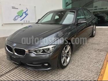 Foto BMW Serie 3 330iA Sport Line usado (2017) color Gris precio $488,500