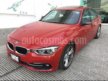 Foto venta Auto usado BMW Serie 3 330iA Sport Line (2017) color Rojo Vermilion precio $498,500