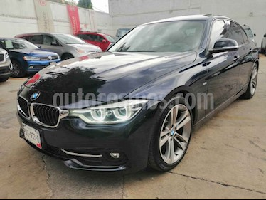 Foto BMW Serie 3 330iA Sport Line usado (2017) color Azul precio $470,000