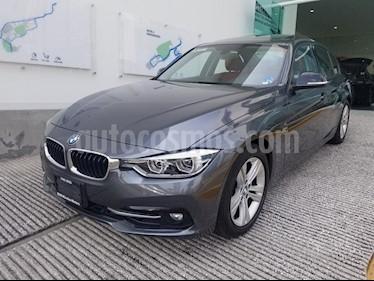 Foto venta Auto usado BMW Serie 3 330iA Sport Line (2017) color Gris Mineral precio $488,501