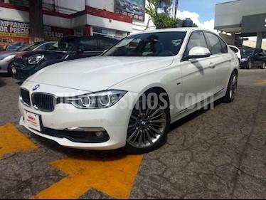 Foto BMW Serie 3 330iA usado (2017) color Blanco precio $468,000