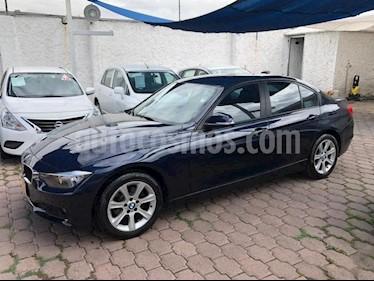 Foto BMW Serie 3 4p 320i L4/2.0/T Aut usado (2015) color Azul Marino precio $285,000